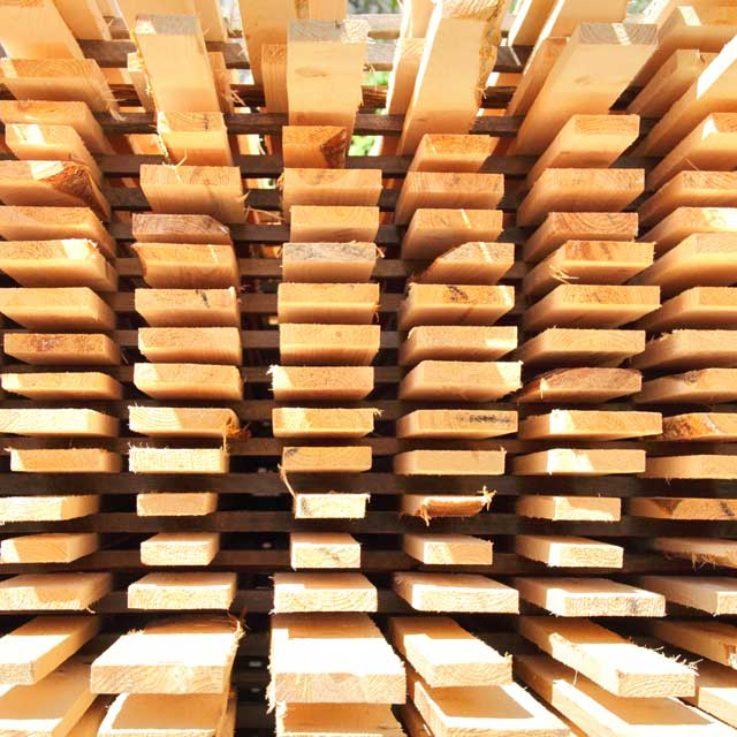 wood-pallet-arranged